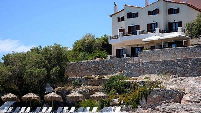 Kekrifalia Hotel, Bar & Restaurant