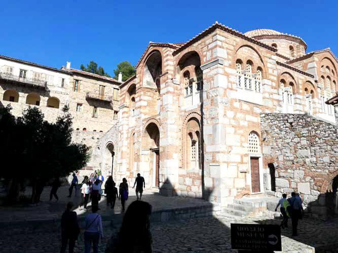 Εκκλησίες Όσιος Λουκάς